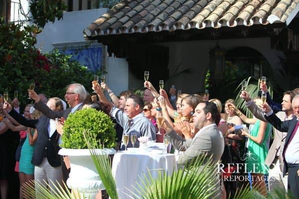 Toosten op het bruidspaar, wedding en planning, weddingplanner, foto Reflexx Reportages