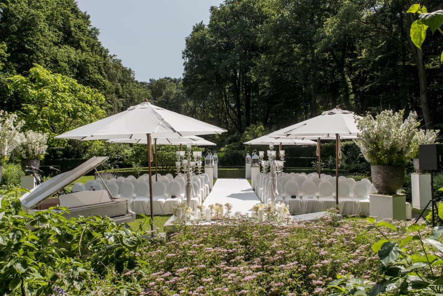 Huwelijksceremonie In Tuin, Landgoed het Roode Koper, Wedding & Planning, weddingplanner