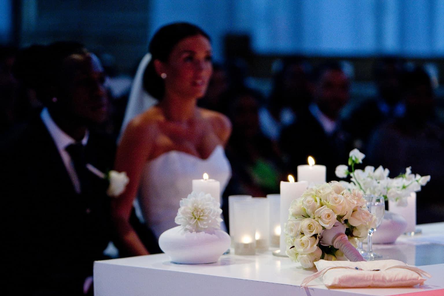 Trouwtafel Royston & Daisy Drenthe,wedding en planning, Weddingplanner, fotocredits Reflexx Reportages, trouwen in de laurenskerk, burgerlijk huwelijk in een kerk, trouwen in Rotterdam