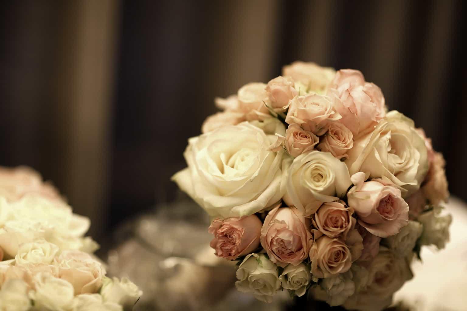 Wedding en Planning | weddingplanner | trouwen in de Vondelkerk | bruidsboeket | winterwedding | trouwen en feesten in een kerk | trouwen in amsterdam | fotocredits Karen Kaper.jpg