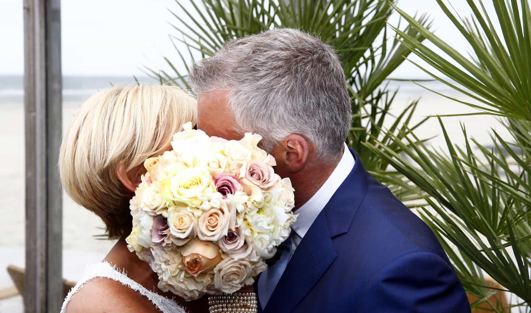 VLIELAND 19 JUNI 2014 Caroline Tensen en Ernst Jan Smids trouwen op vlieland.