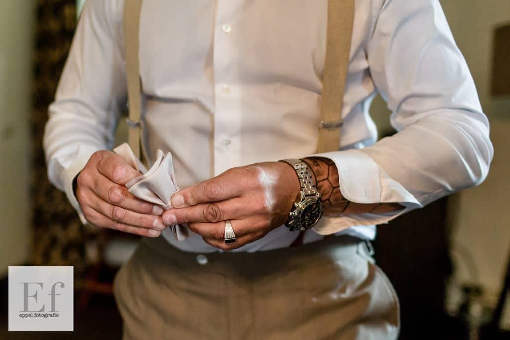 wedding en planning | weddingplanner | bruidegom klaar voor de ceremonie | Eppel_Fotografie