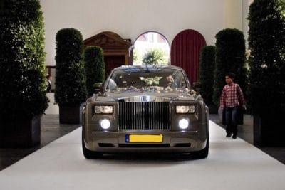 Met de Rolls Royce je trouwceremonie binnen rijden, wedding en planning, Weddingplanner, fotocredits Sjouke Dijkstra