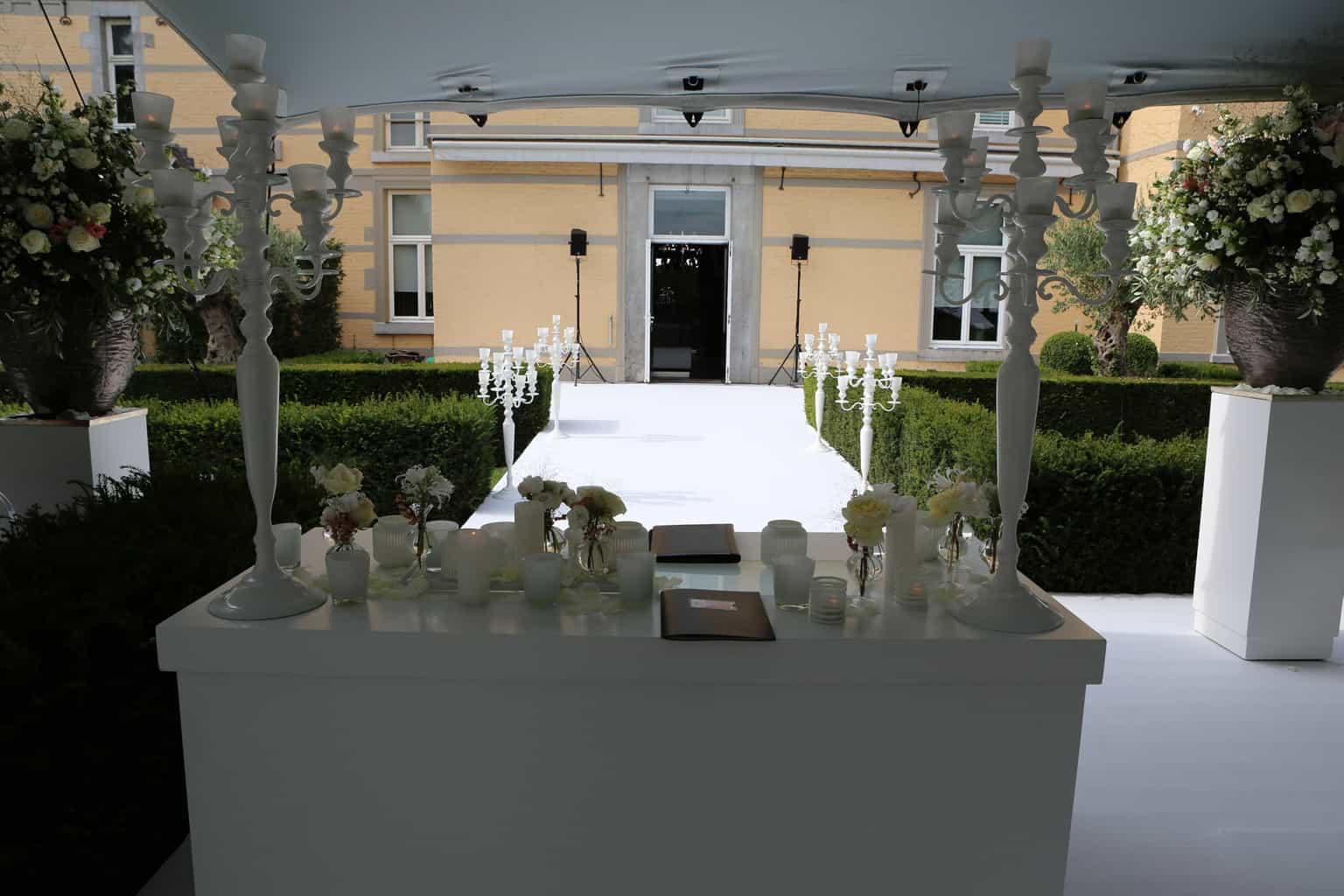 ceremonie op Kasteel de Hoogenweerth,Kasteel de Hoogenweerth, huwelijksdag, trouwen, bruiloft regelen, wedding en planning, weddingplanner