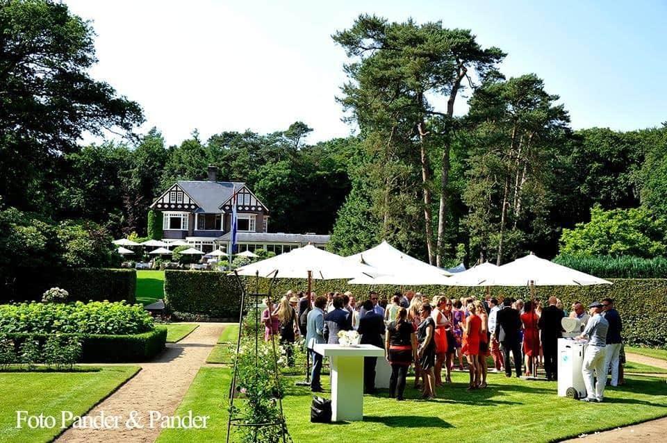 Champagne na de huwelijksceremonie,wedding en planning, weddingplanner, foto Pander en Pander